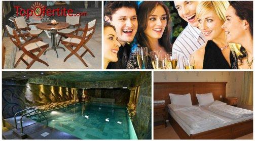 Хотел България 3*, Велинград за 8-ми декември! 2 нощувки + закуски, вечери, едната празнична, топъл минерален басейн, джакузи, сауна и парна баня само за 90 лв.