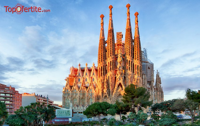 7-дневна екскурзия със самолет до Барселона с Френска Ривиера, Прованса, Милано и Барселона с 6 нощувки + закуски, вечери  и самолетни трансфери само за 850 лв.