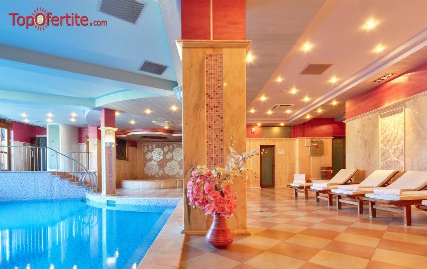 Хотел Клуб Централ 4*, Хисаря! Нощувка + закуска, вътрешен и външен басейн с топла минерална вода и Релакс пакет само за 49,50 лв на човек