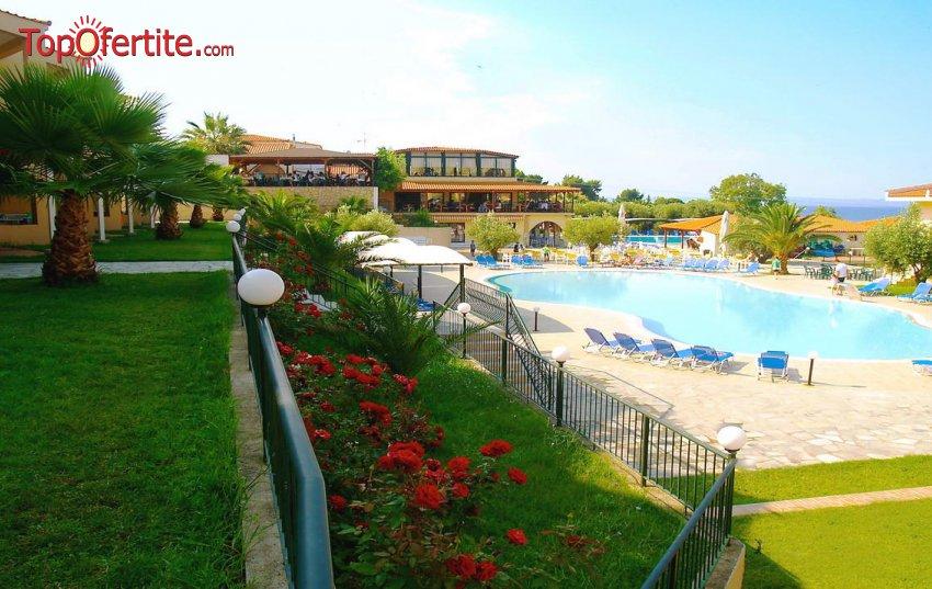 LAST MINUTE Village Mare 4*, Халкидики, Гърция! 3 нощувки на база All Inclusive или закуска и вечеря и Безплатно дете до 12 г. на цени от 228 лв. на човек (22-ри септември)