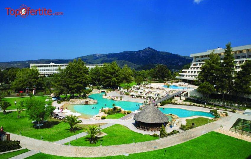 Porto Carras Meliton Hotel 5*, Ситония, Халкидики, Гърция - за Нова година! 2 или 3 нощувки + закуски, вечери и Гала вечеря + безплатно дете до 11,99г. на цени от 256,20 лв на човек