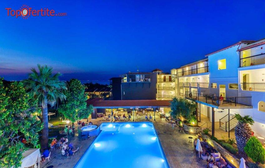 МАЙСКИ ПРАЗНИЦИ в хотел Kriopigi 4*, Халкидики, Гърция! Нощувка + закуска, вечеря и басейн и безплатно дете до 5,99г. само за 54,30 лв на човек