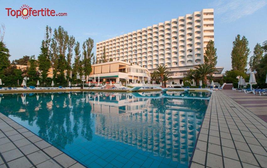 Хотел Pallini Beach 4*, Халкидики, Гърция, първа линия, РАННИ ЗАПИСВАНИЯ! Нощувка + закуска, вечеря и безплатно дете до 11,99г. на цени от 60,20 лв. на човек