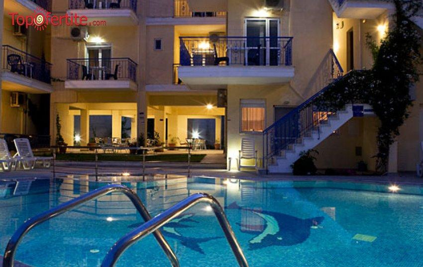 Stratos Hotel 3*, Афитос, Халкидики, Гърция! Нощувка + закуска и безплатно ползване на басейн на цени от 47,90 лв на човек