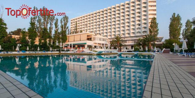 Хотел Pallini Beach 4*, Халкидики, Гърция, първа линия! Нощувка + закуска, вечеря и безплатно дете до 11,99г. на цени от 70,80 лв. на човек