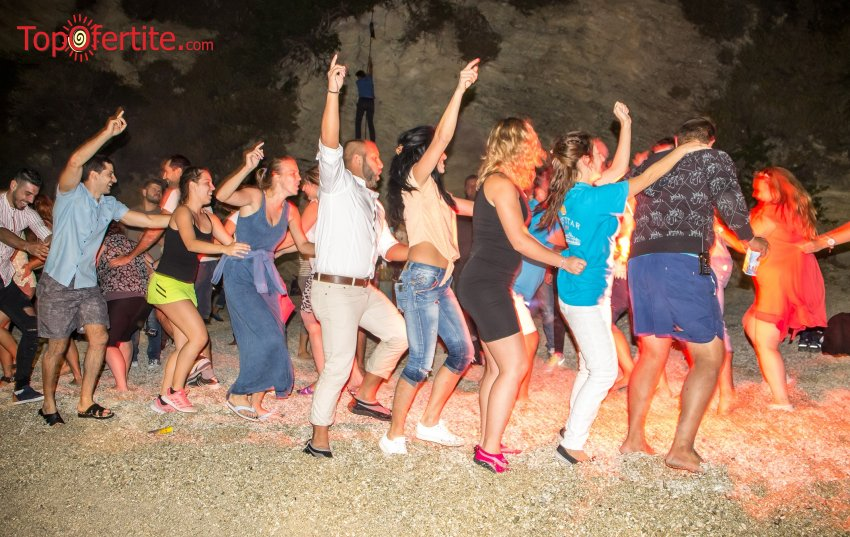 3-дневна парти екскурзия до остров Лефкада + 3 нощувки със закуски и вечери, включен водач, транспорт и посещение на плажът Агиос Йоаннис на цени от 220 лв на човек