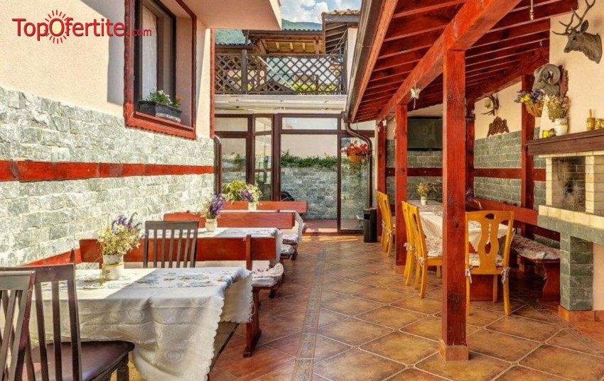 Вила Коко Хилс, Сапарева Баня! Нощувка + безплатно ползване на барбекю и опция за закуска на цени от 20 лв. на човек