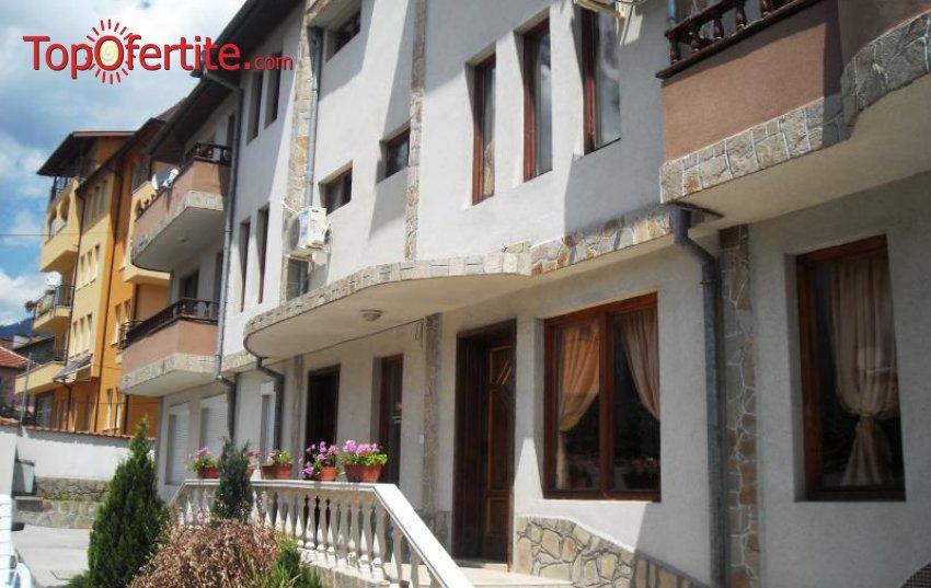 Хотел Медея, Велинград! Нощувка + закуска, външен басейн, външно джакузи  за 25 лв. на човек