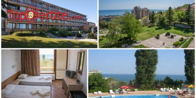Хотел Темида, Златни пясъци на 250м от морето! Нощувка + закуска, вечеря, напитки, външен басейн с детска секция, чадър и шезлонг на басейна, футболно и волейболно игрище на цени от 30 лв. на човек
