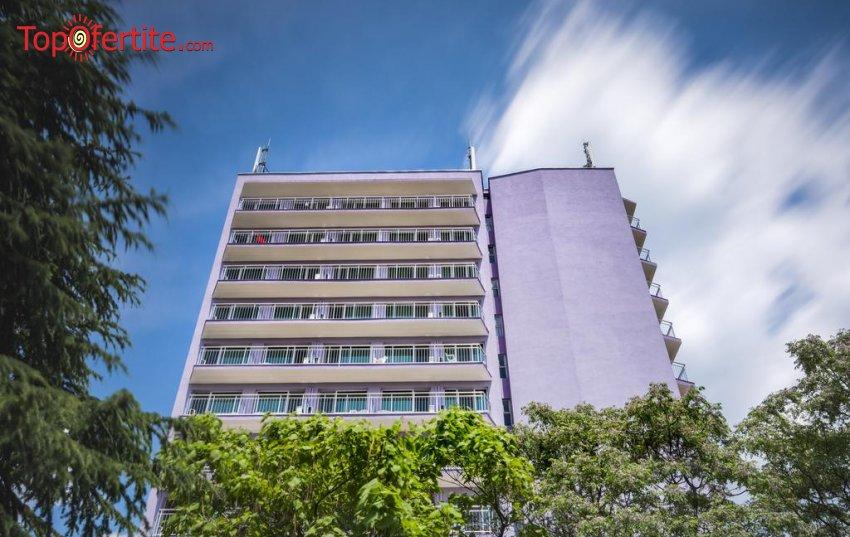 Хотел Свежест 3*, Слънчев бряг център! Нощувка на база All inclusive light + басейн на цени от 38 лв на човек