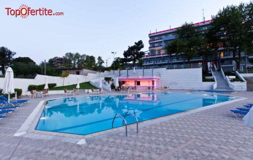 Olympus Thea Hotel 4*, Платамонас, Гърция за Нова година! 3 нощувки + закуски и вечери, Новогодишна празнична вечеря и напитки на цени от 279.70 лв на човек