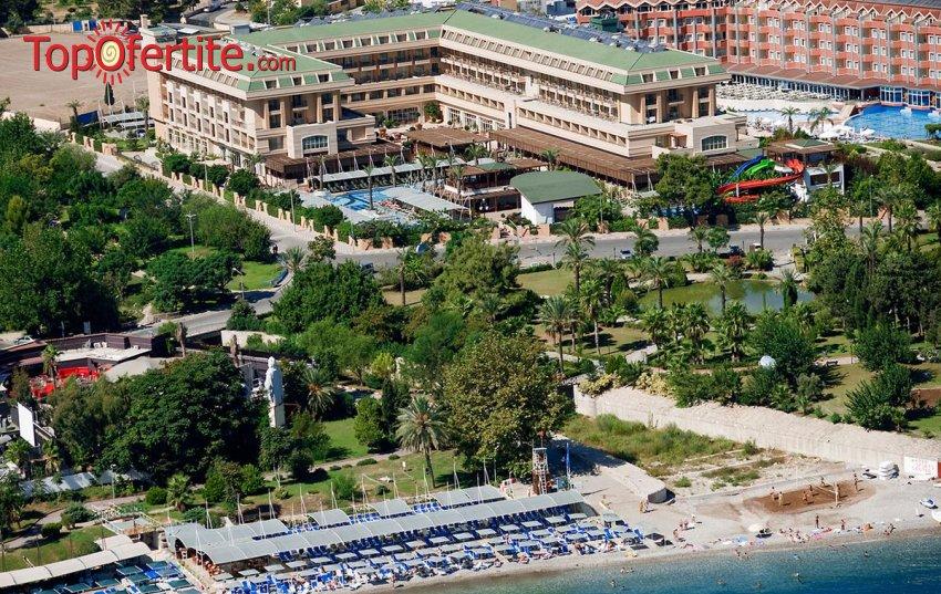 Crystal De Luxe Resort & SPA 5*, Кемер, Турция за Нова година! 4 нощувки на база All Inclusive + Новогодишна вечеря, СПА център, самолет, летищни такси, трансфер на цени от 573 лв за един човек