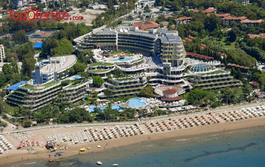 Crystal Sunrise Queen Luxury Resort & SPA 5*, Сиде, Турция за Нова година! 4 нощувки на база ULTRA All Inclusive, Новогодишна вечеря, СПА център + самолет, летищни такси, трансфер на цени от 639.50 лв на човек