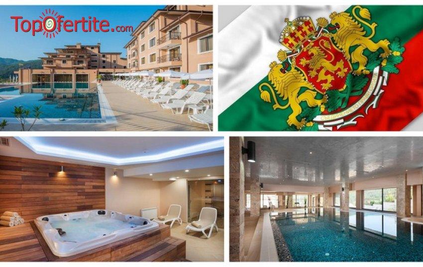 3-ти Март в Хотел Вела Хилс 4*, Велинград! 3 нощувки + закуски, открити и закрити басейни, джакузита и СПА пакет на цени от 240 лв. на човек + дете до 6г. Безплатно