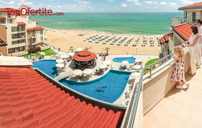 На море в Комплекс Обзор Beach Resort 4* на първа линия! Нощувка на база All Inclusive Light + открити басейни с шезлонги, чадъри, музика на живо и шезлонг и чадър на плажа за 49 лв. на човек