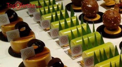 20 или 50 броя петифури с баварски, ванилов или крем брюле с плодове или шоколад от сладкарница Орхидея на цени от 28 лв.