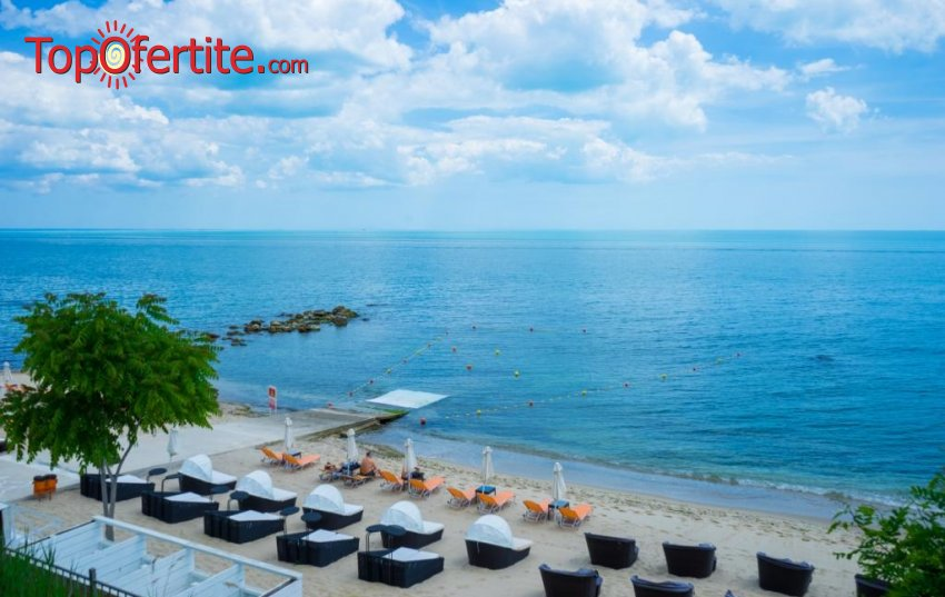 На море в Бутиков семеен хотел Бригантина 3*, Златни пясъци на първа линия! Нощувка + закуска, басейн и паркинг на цени от 24,40 лв на човек