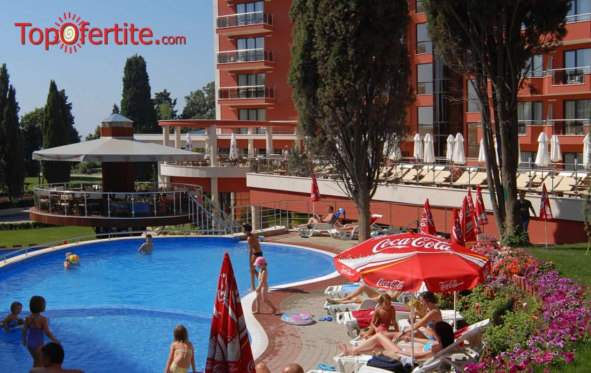 Ранни записвания за море в хотел Виго 4*, Несебър 50 м. от плажа! Нощувка + закуска, обяд, вечеря, басейн на цени от 37 лв на човек