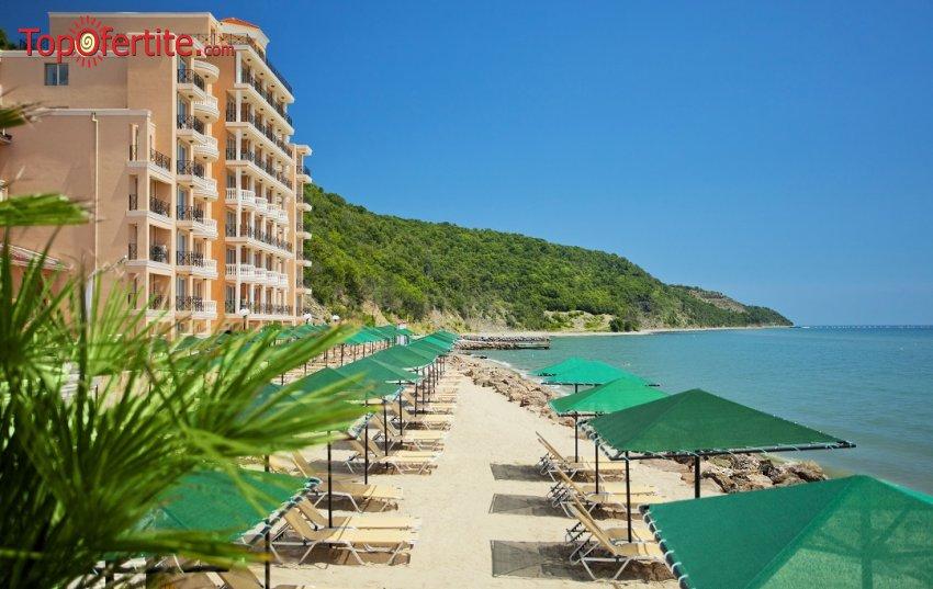 На море в Хотел Роял Бей 4*, Елените! Нощувка на база Аll inclusive + външен басейн, шезлонг и чадър на плажа на цени от 63 лв на човек