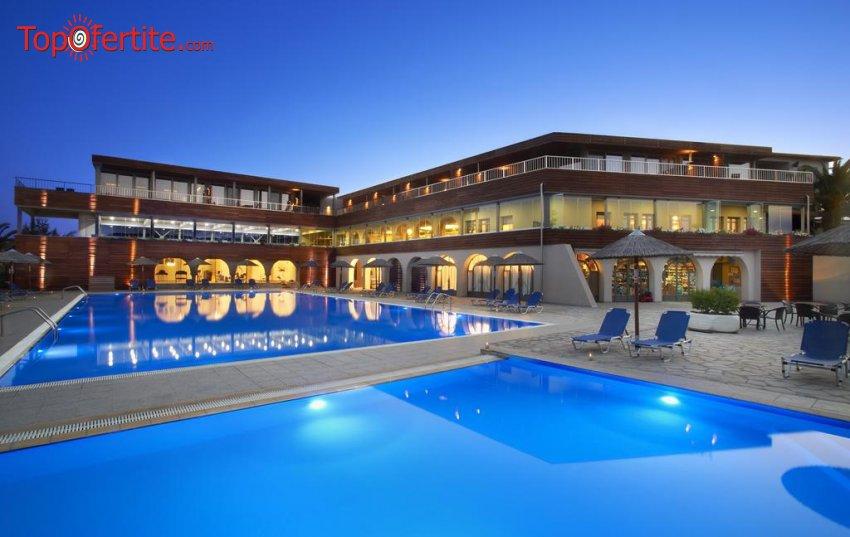 Ранни резервации Лято 2021! Blue Dolphin hotel 4*, Халкидики, Гърция! Нощувка + закуска, вечеря и безплатно дете до 11,99г. на цени от 64лв на човек