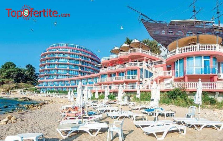 На море в Сириус Бийч Хотел & СПА, Св. Константин и Елена! Нощувка на база All Inclusive + чадър и шезлонг на плажа, два открити басейна и СПА на цени от 52 лв. на човек