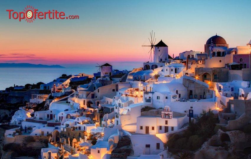 Майски празници на остров Санторини! 3 нощувки + самолетен билет, летищни такси и трансфер на цени от 546 лева на човек