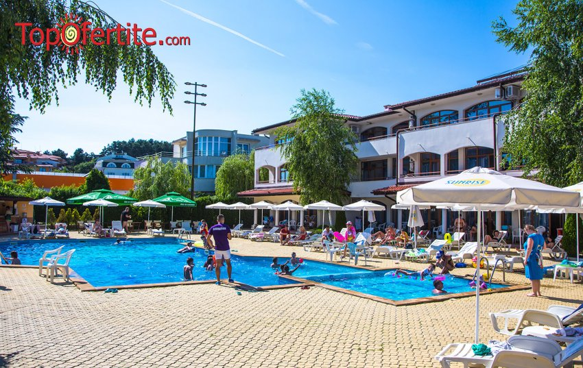 На море в Хотел Сънрайз, Слънчев бряг на 90 м. от плажа! Нощувка на база All Inclusive + Детска анимация, открит басейн, шезлонг и чадър около басейна на цени от 49,50 лв. на човек