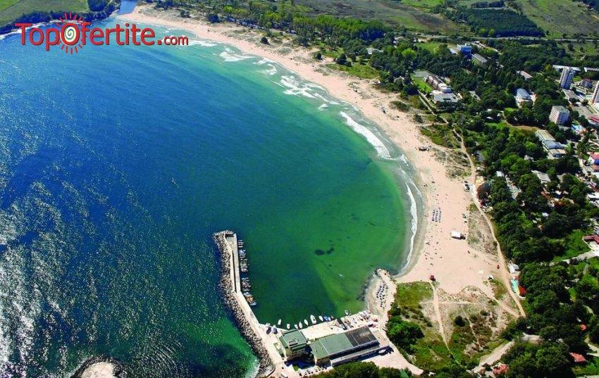 На море в Хотел Марина 3* Първа линия, Китен! Нощувка + закуска, Безплатен трансфер от и до автогара Китен, шезлонг и чадър на плажа на цени от 25 лв. на човек