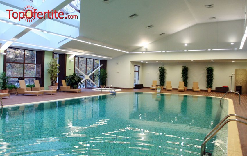 Нова Година в Парк Хотел ПИРИН 5*, Сандански! 3, 4 или 5 нощувки + закуски, горещ термален басейн и СПА пакет на цени от 363 лв. за Един човек
